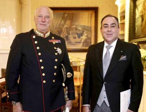 El Rey Harald V de Noruega recibe las Cartas Credenciales de nuevo Embajador de Honduras.