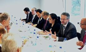 Embajadores de Centroamérica y funcionarios de la Unión Europea, participan en la última reunión preparatoria en Bruselas para el primer encuentro de la Comisión Mixta sobre diálogo político de cooperación.  Coordina el encuentro el Embajador Roberto Flores Bermúdez.