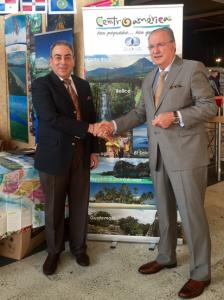 El Embajador de Honduras en Bruselas ,Roberto Ochoa Madrid con el Presidente del EURACEN Erwin De Weerdt.